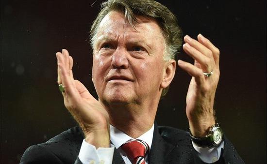 """Van Gaal lại cay cú """"đá đểu"""" Man Utd"""