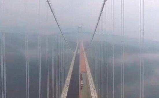 Trung Quốc sắp đưa vào hoạt động cầu treo lớn nhất châu Á