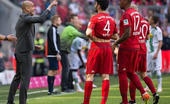 """Hòa nhạt, Bayern Munich """"chê"""" đĩa bạc Bundesliga"""