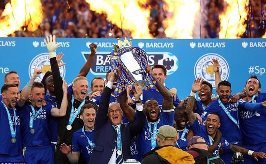 Cảm xúc dâng trào khi Leicester City nâng cúp vô địch Ngoại hạng Anh