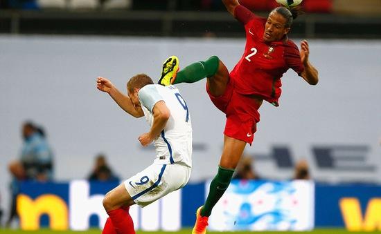 Harry Kane suýt mất Euro 2016 vì cú kungfu kinh hoàng
