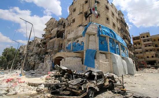 Aleppo hoang tàn sau không kích, 14 người trong 1 gia đình thiệt mạng