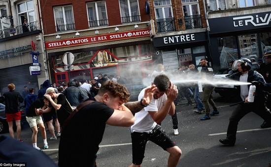 Bạo loạn leo thang tại EURO 2016: 16 ca nhập viện, 36 hooligan bị bắt giữ
