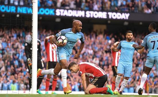 VIDEO: Cựu sao trẻ Man Utd phản lưới, dâng 3 điểm cho Man City