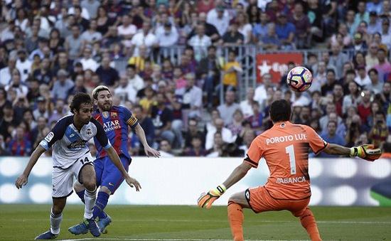 VIDEO, Barcelona 4-0 Deportivo: Messi ghi dấu ấn ngày trở lại!