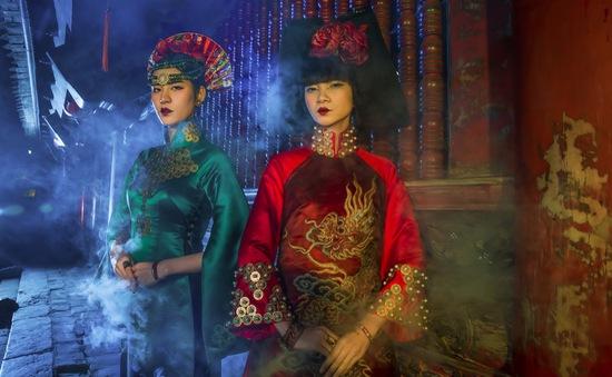 Người mẫu Hạ Vy, Phan Hà Phương đầy ma mị với áo dài cổ