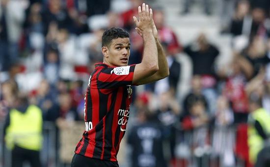 PSG chính thức có Hatem Ben Arfa