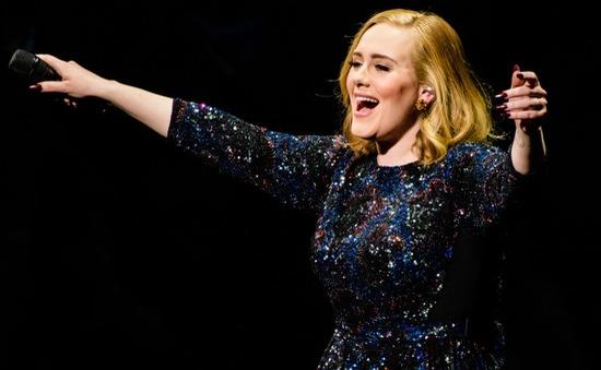 Adele vượt mặt huyền thoại Whitney Houston