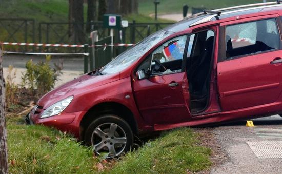 Đâm xe, tấn công vào một nhà thờ tại Pháp