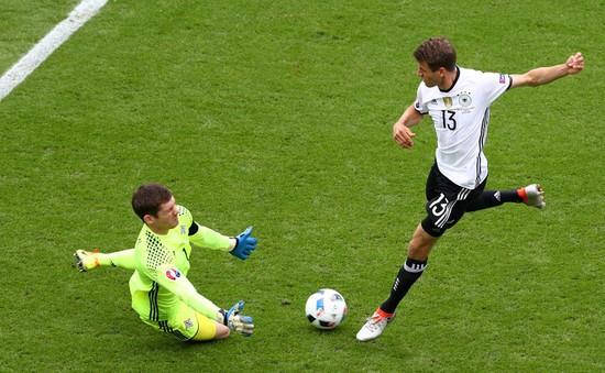 """Muller tự nhận mình """"ăn hại"""" tại EURO 2016"""