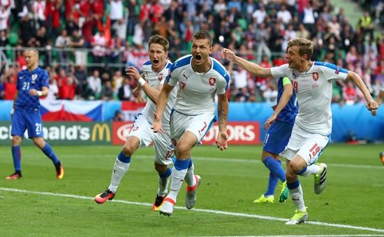 EURO 2016, CH Czech 2-2 Croatia: Kịch tính phút cuối, Czech nuôi hi vọng đi tiếp