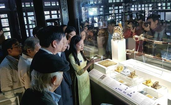 Trưng bày Bảo vật Hoàng cung triều Nguyễn