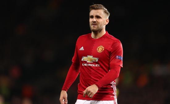 Huyền thoại Man Utd khuyên Luke Shaw rời Old Trafford