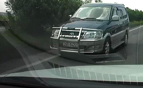 """Kiên quyết xử lý """"xe điên"""" ngược chiều trên cao tốc Nội Bài - Bắc Ninh"""