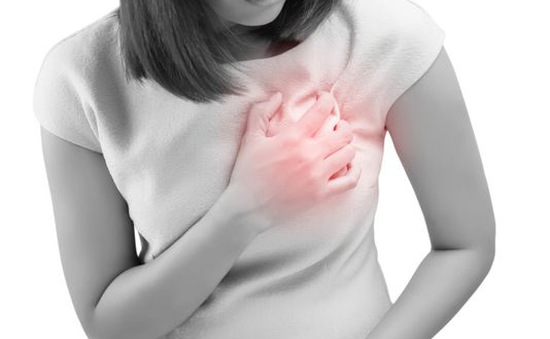 Phụ nữ thường xuyên làm việc đêm có nguy cơ cao mắc bệnh tim