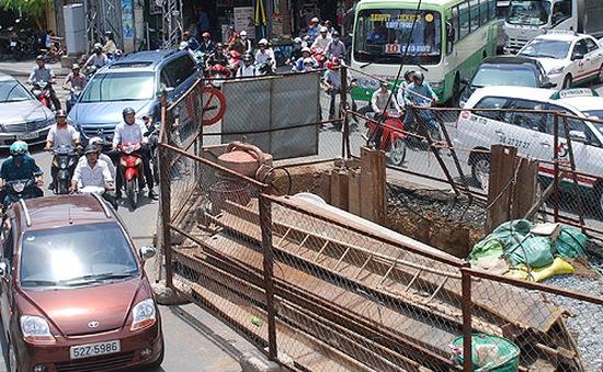 TP.HCM: Số lô cốt tăng gấp đôi ở 32 tuyến đường