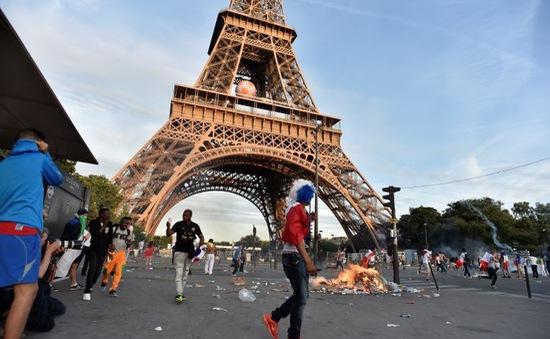 Pháp: Cảnh sát sử dụng hơi cay ngăn hỗn loạn trong trận Bồ Đào Nha - Pháp