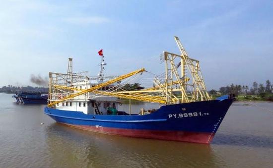 Bàn giao thêm một tàu cá vỏ thép cho ngư dân Phú Yên
