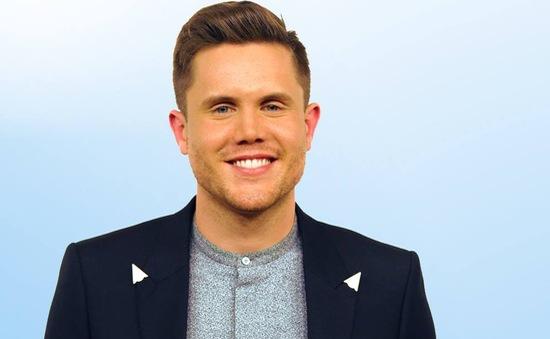 Anh chàng bồi bàn giành ngôi vị Quán quân American Idol mùa cuối
