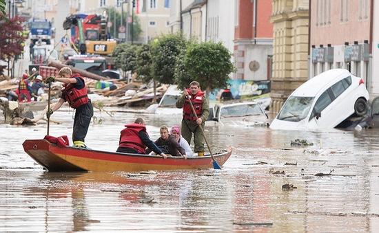 Pháp nỗ lực giảm thiểu thiệt hại do lũ lụt