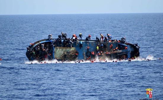 Lật thuyền chở người di cư ngoài khơi Libya, ít nhất 7 người thiệt mạng