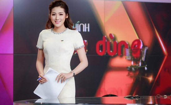 Á hậu Tú Anh run trong lần đầu lên sóng VTV