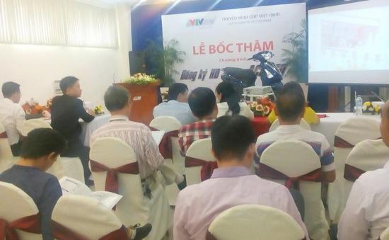 Đăng ký HD VTVcab, 2 khách hàng TP.HCM may mắn trúng thưởng xe máy