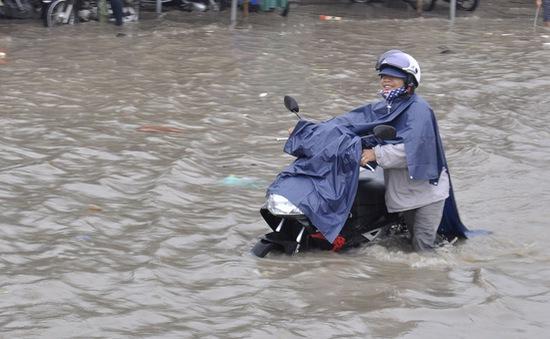 Đồng Nai: Kẹt xe nghiêm trọng vì ngập nước sau cơn mưa