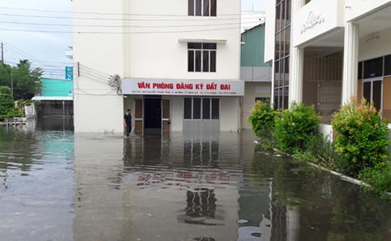 Kiên Giang: Gần 4.000 hồ sơ đất đai bị ngập trong nước mưa
