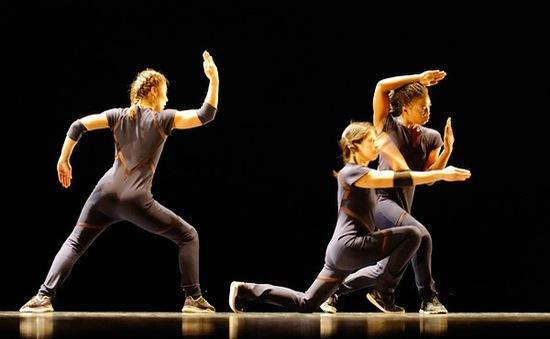 Autarcie (....) – Vở diễn để đời của vũ công, biên đạo múa Anne Nguyễn