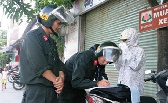 Từ 1/8, Cảnh sát cơ động Hà Nội được xử lý vi phạm không đội mũ bảo hiểm