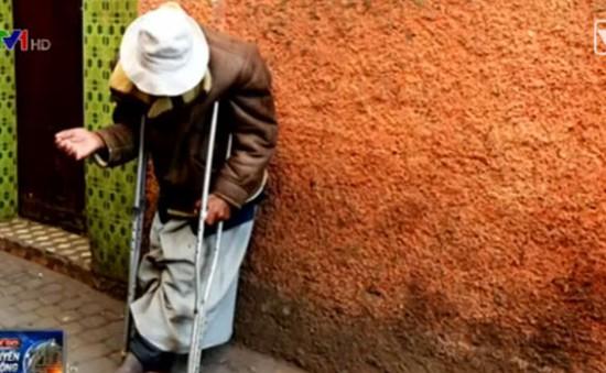 Một thị trấn ở Italy phạt hành vi cho tiền người ăn xin