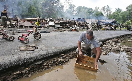 Mỹ: Ít nhất 14 người thiệt mạng do mưa lũ tại Tây Virginia