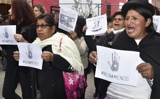 Argentina: Hàng nghìn người tuần hành chống bạo hành phụ nữ