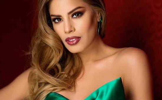 Hoa hậu bị trao nhầm vương miện từ bỏ danh hiệu