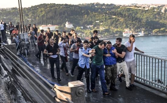Thổ Nhĩ Kỳ: 13 binh sỹ đảo chính bị đưa ra xét xử