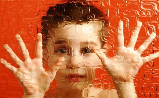 Những nguyên nhân gây ra chứng tự kỷ