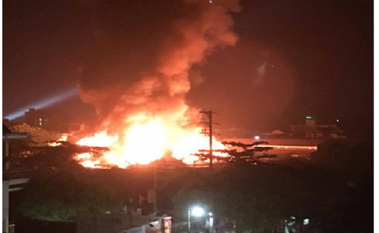 """Cháy chợ Bình Sơn: Hơn 1.000 tiểu thương """"trở tay không kịp"""""""