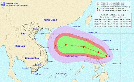 Bão Sarika gió giật cấp 10 đang di chuyển vào Biển Đông