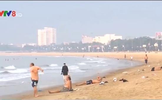 Thông tin bãi biển Quy Nhơn ngập rác thải là không chính xác