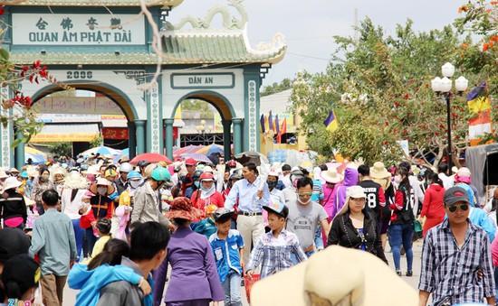 Lãnh đạo UBND TP Bạc Liêu: Cổng chùa biến thành chợ là... bình thường