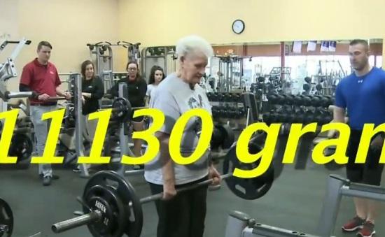 Cụ bà 78 tuổi tại Mỹ nâng tạ hơn 100kg