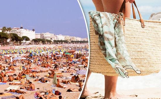 Pháp: Bãi biển ở Cannes cấm khách mang túi xách vì sợ khủng bố