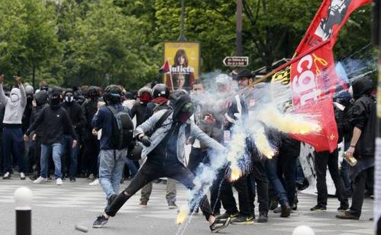 Giao thông tại Pháp hỗn loạn do bãi công tiếp diễn