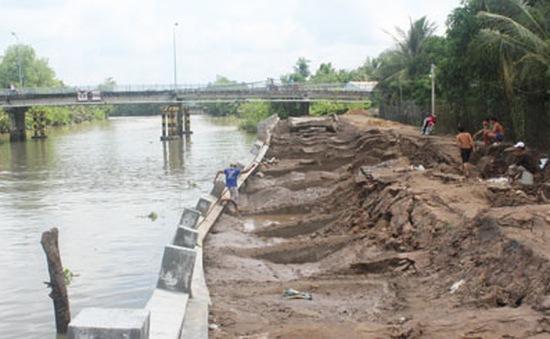 Dự án kè sông Bảo Định ngừng thi công, cuộc sống người dân đảo lộn
