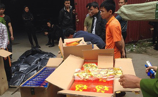 Bắt 1 tấn bao cao su rởm ở Hà Nội