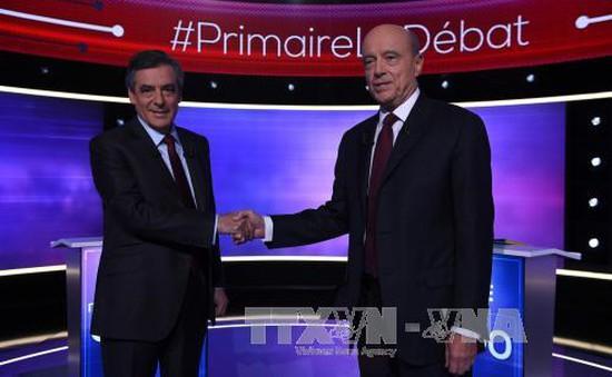 Hai ứng viên cánh hữu bước vào vòng 2 bầu cử sơ bộ Pháp