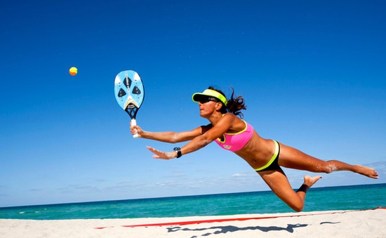 Sức hấp dẫn của môn Beach Tennis ở bãi biển Copacapana
