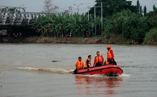 7 học sinh mất tích do lật thuyền ở Indonesia