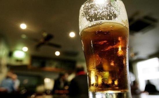 Thành phố Lens cấm bán bia rượu trước trận Anh - Xứ Wales